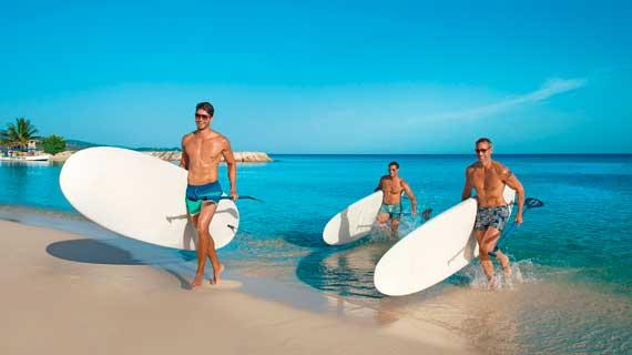 bros surfing