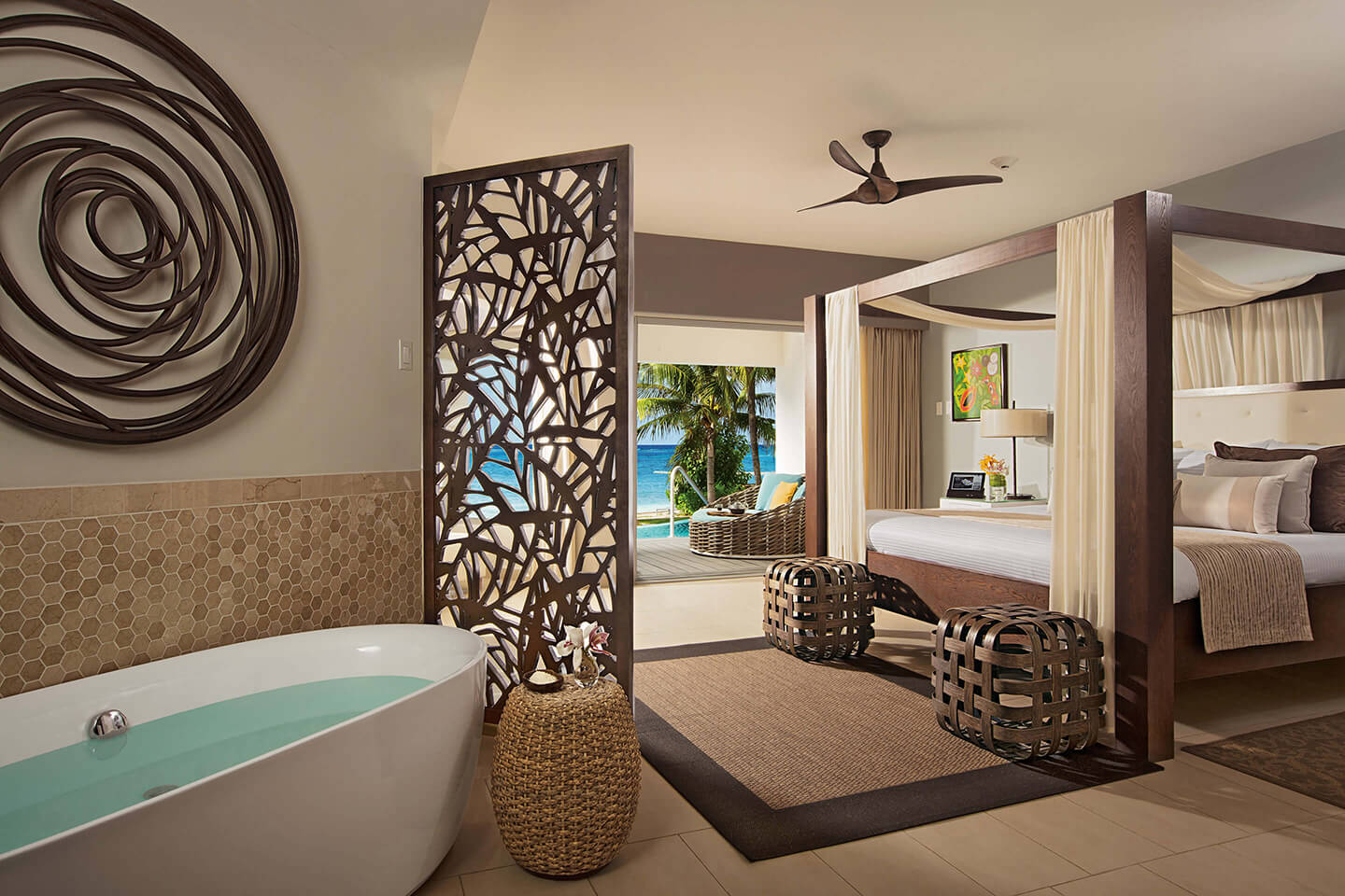 Junior Suite Swim Out Ocean View with Soaking Tub