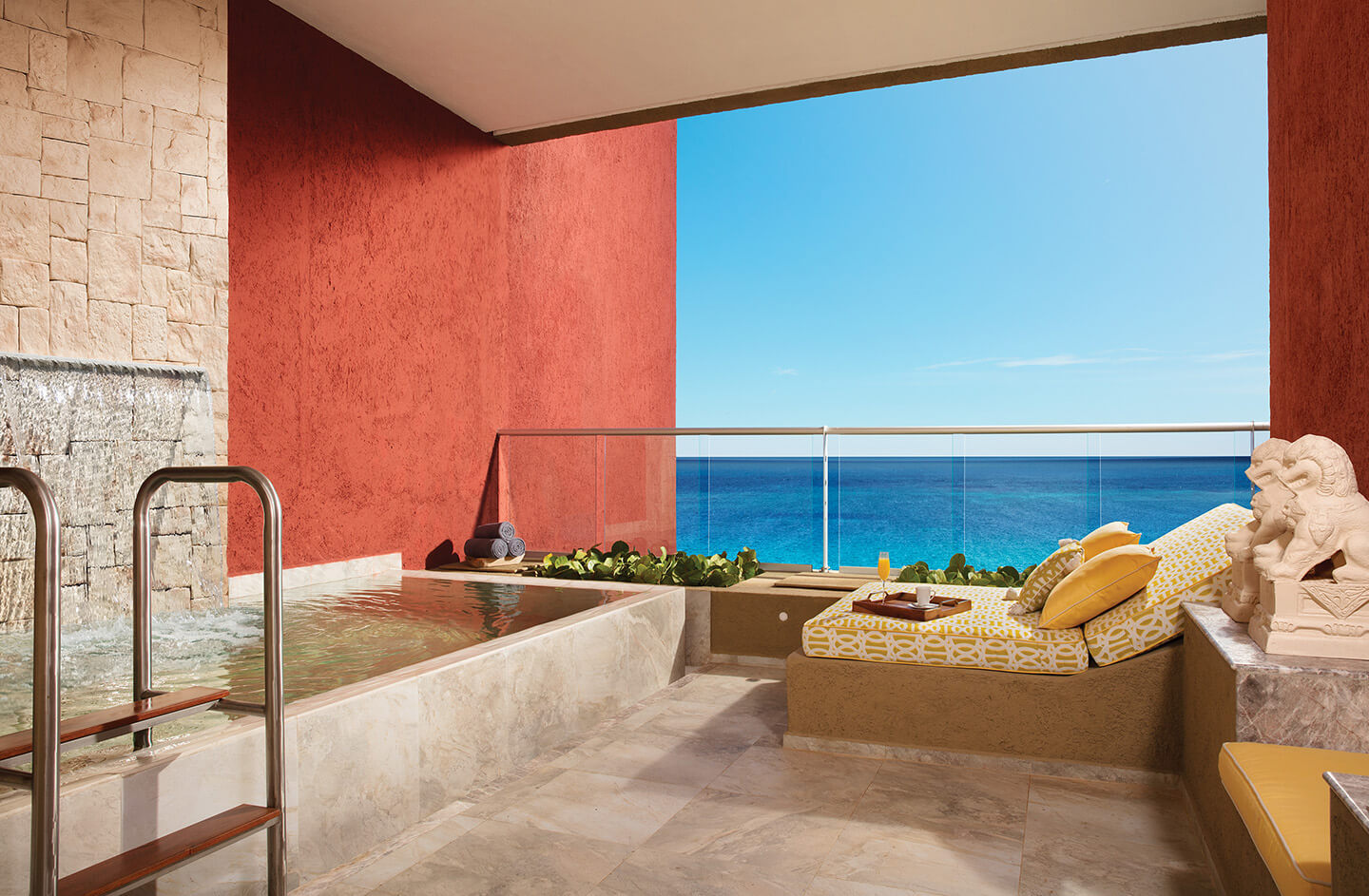 Impression™ Ocean Front Junior Suite with Plunge Pool