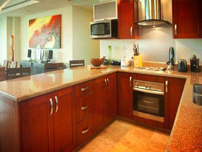 4 Bedroom Condo - Kitchen