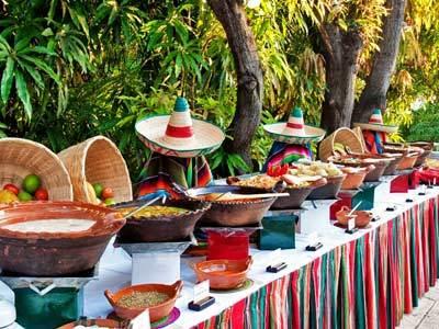Cena Mexicana en la Piscina