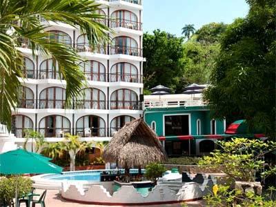 Dominico's - Salsa Bar y Chapoteadero
