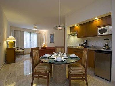 Family Suite - Dinning Room