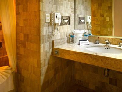 Guestroom - Bath