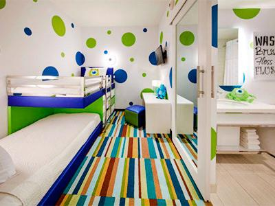 Kids Two Room Suite