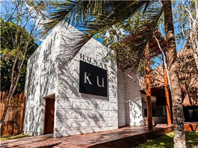 Hunab Ku Restaurant