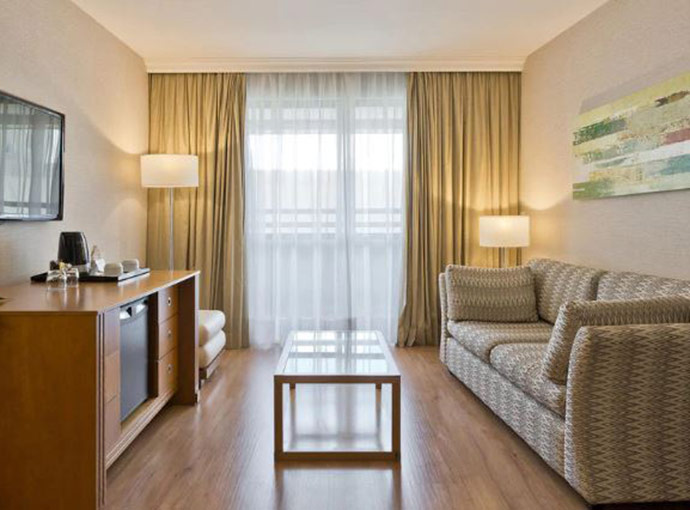 Green Floor Junior Suite