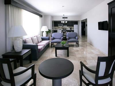 Junior Suite - Sala de Estar, Cocineta y Comedor,