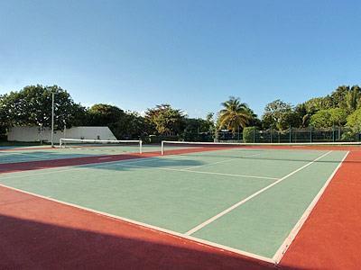 Cancha de Tenis - Otra Vista