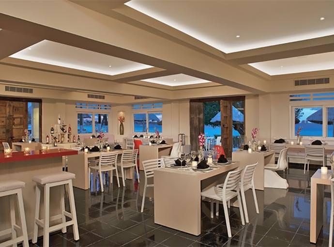 Waves & Sand Restaurant