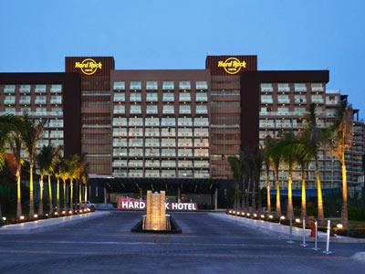 Photos and pictures of hotel hard rock hotel canc n for Tough exterior quotes
