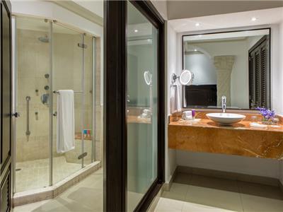 Zilara Jr Suite Double - Bathroom