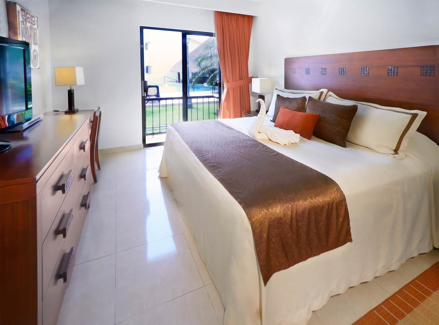 The Royal Cancun All Suites Resort Deal Rooms From 9 740 Hotel In Cancun Hotel Zone