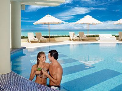 Bar Pool Club Live Aqua Beach Resort Cancun