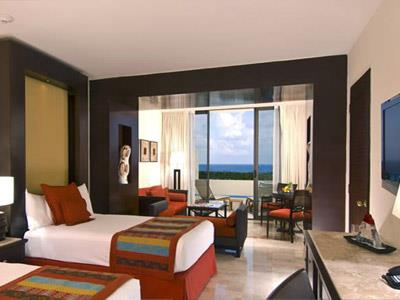 Junior Suite Ocean View Royal Service