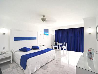 View alternate rooms - Hotels Cancun Hotel Zone Isla Mujeres Bay Riu Caribe Pictures