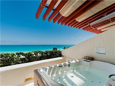 Deluxe Ocean View with Jacuzzi