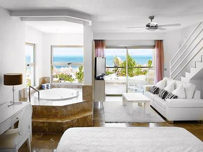 Rooftop Casita Suite with Beach View and Pool