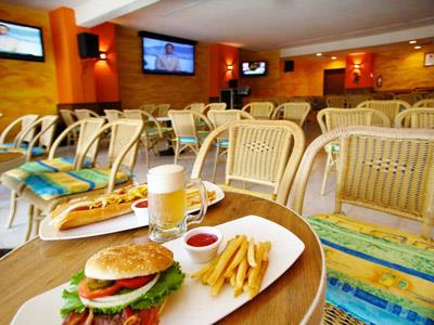 La Cabaña Lobby Bar