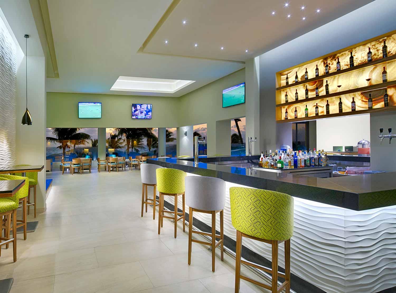 Lobby Bar)