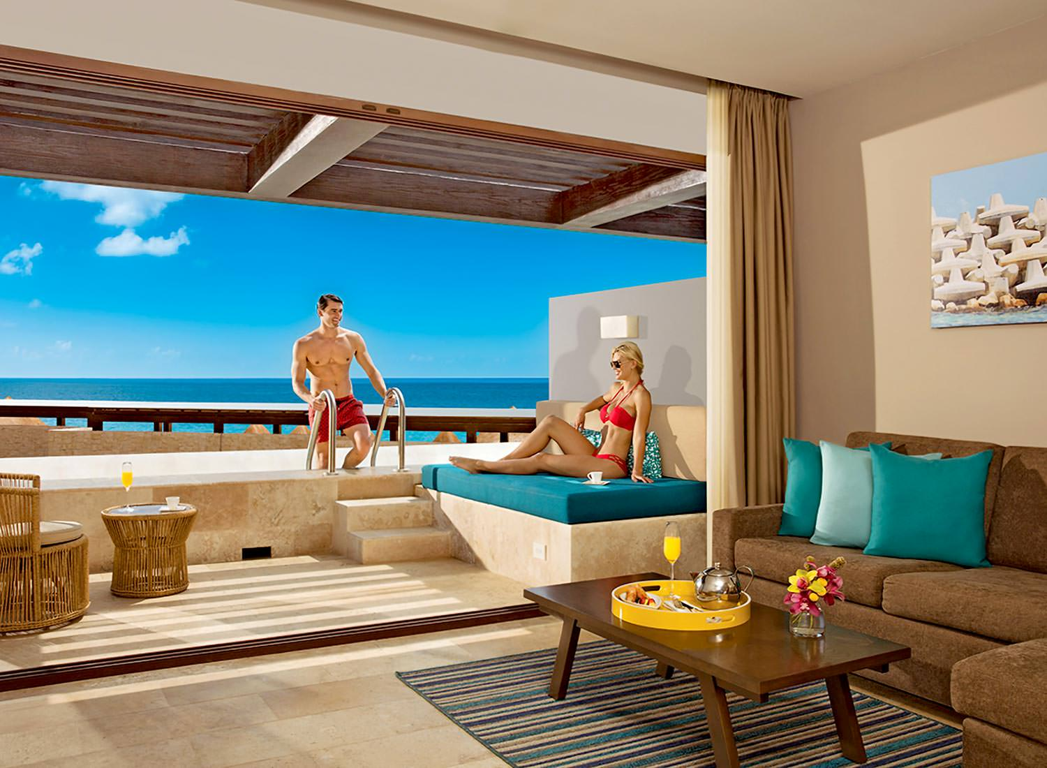 Preferred Club Master Suite Swim Out Ocean View