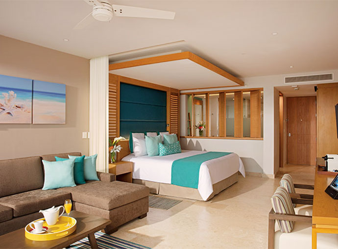 Junior Suite Ocean View King Bed