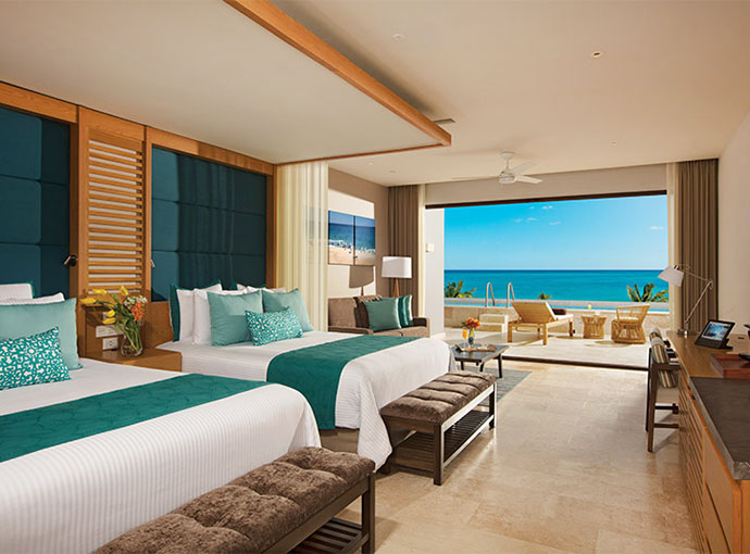 Preferred Jr Suite Ocean Front Private Pool 2 Beds