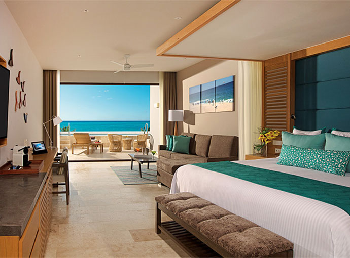 Preferred Jr Suite Swim Out Ocean View - King Bed