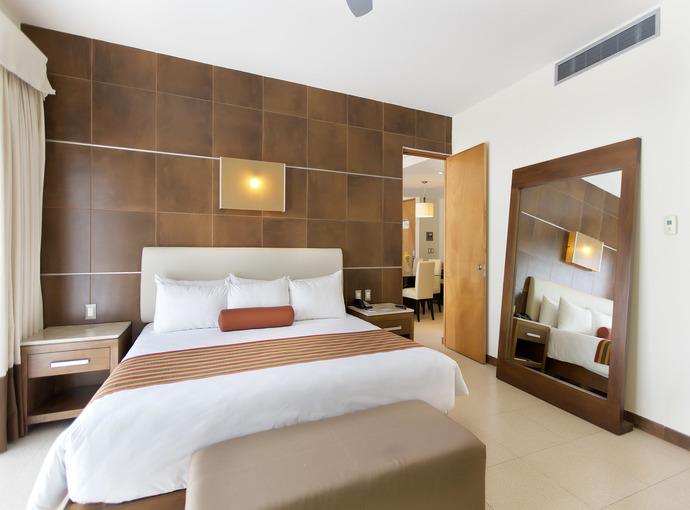 Suite One Bedroom with One King size Bed