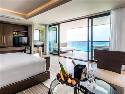 The Beach Club Suite Ocean Front