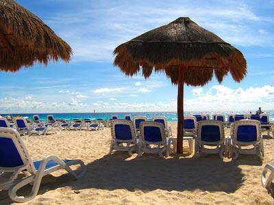 Palapas en la Playa