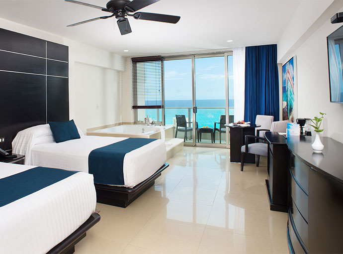 Club Ocean View with Jacuzzi Two Double Beds