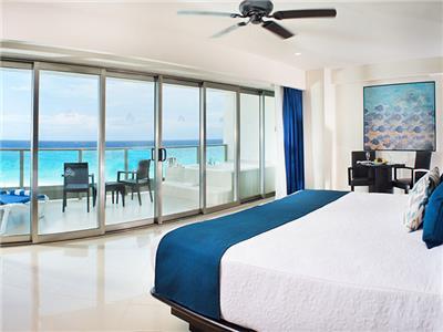 Habitación Club Vista al Mar con Jacuzzi