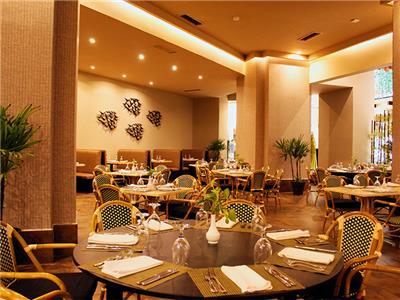 Restaurante Manhattan Seadust Cancun Family Resort