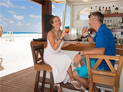 Squalo Bar Seadust Cancun Family Resort