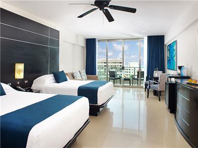 Luxury Suite 2 Double Beds