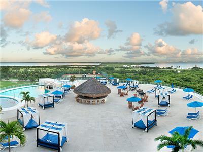 Bar Club Caribe Seadust Cancun Family Resort