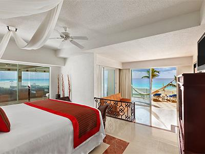 Gran Junior Suite Beach Front Walk Out