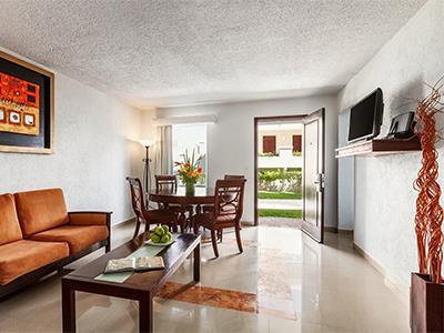 Gran Master One Bedroom Suite - Living Room