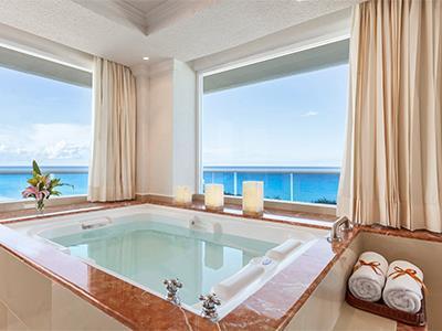 Gran Presidential Suite Ocean View or Ocean Front - Jacuzzi