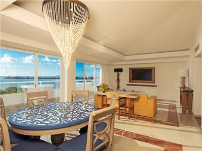 Gran Presidential Suite Ocean View or Ocean Front - Dining Room