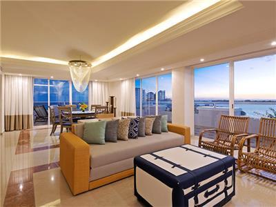 Gran Presidential Suite Ocean View or Ocean Front