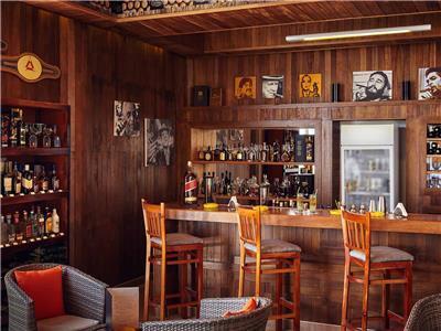 Cigar Bar El Torcedor Hotel Pullman Cayo Coco