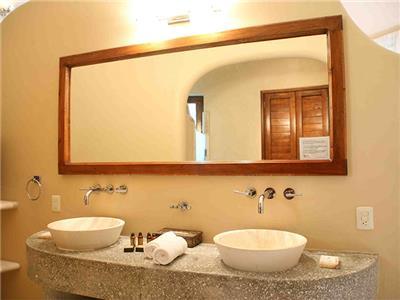 Bungalow - Bathroom