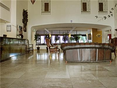 Front Desk & Lobby