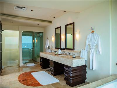 Ocean View Tower - Bathroom