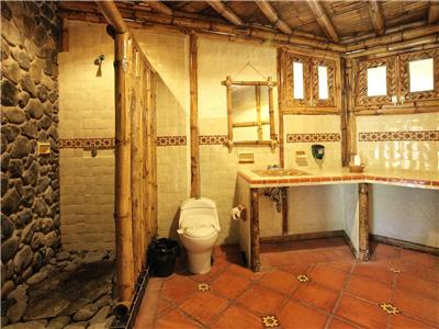 Villa 6 - Bathroom
