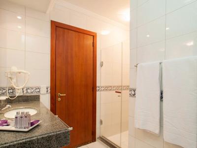 Superior  Premium e Family Room - Banheiro