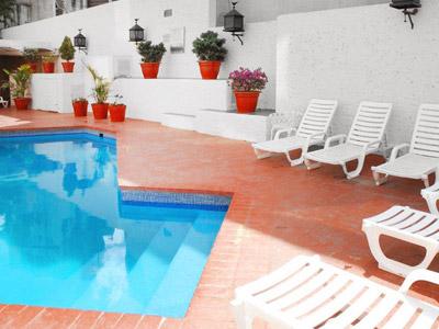 Fotograf as del hotel aranzaz eco for Hoteles con piscina en guadalajara