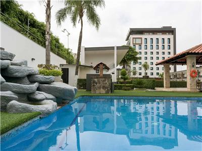 Fotograf as del hotel hotel malib for Hoteles con piscina en guadalajara